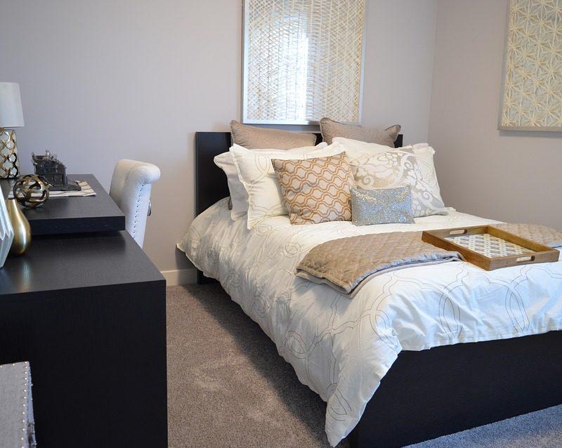 Is It More Practical to Shop for Bedroom Furniture Sets Online?